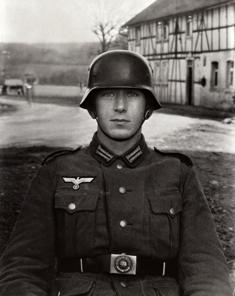 2.-August-Sander-Soldier-c.1940